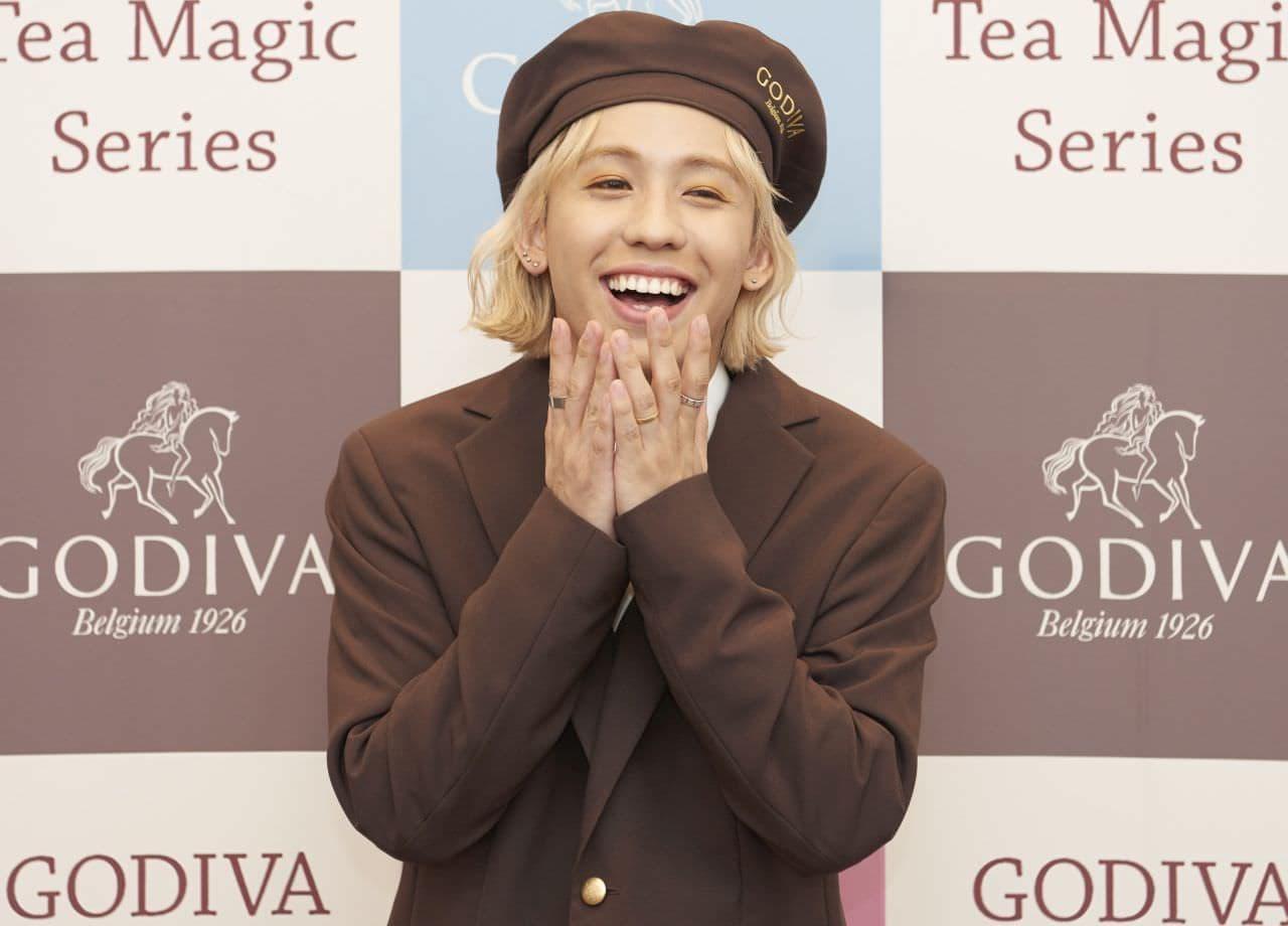ゴディバ『Tea Magic Series(ティー マジック シリーズ)』りゅうちぇるさんが試飲