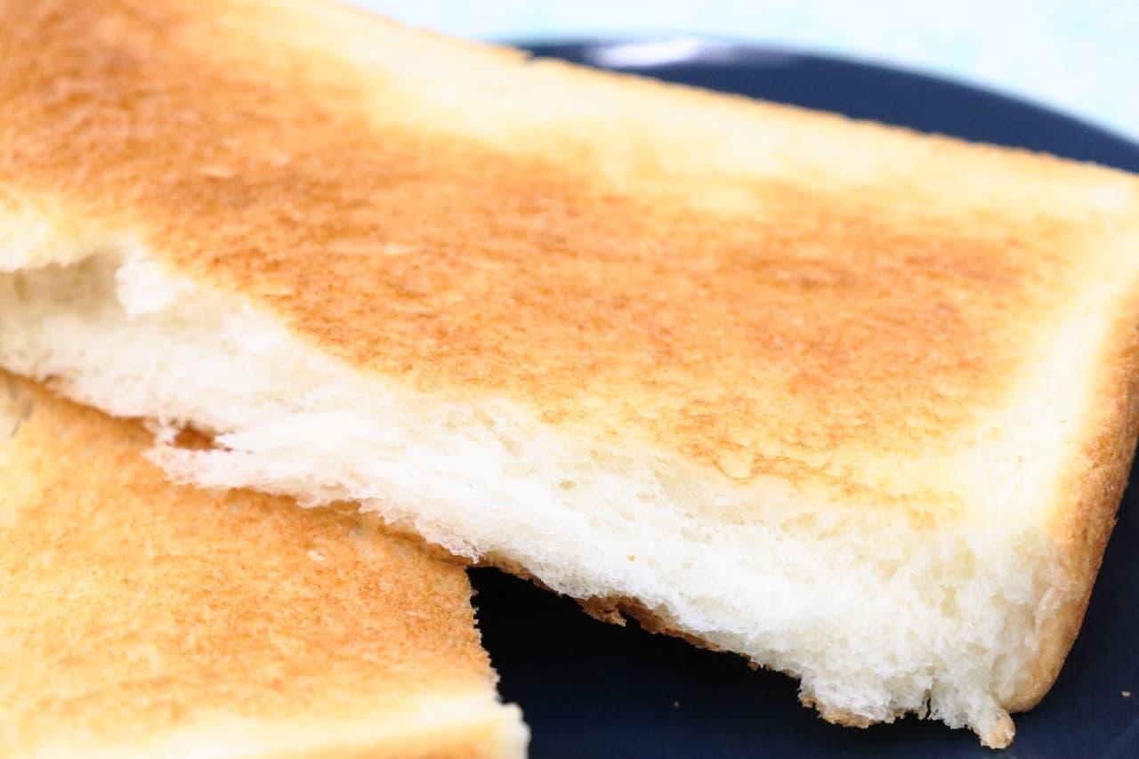 良く焼けたトーストの断面