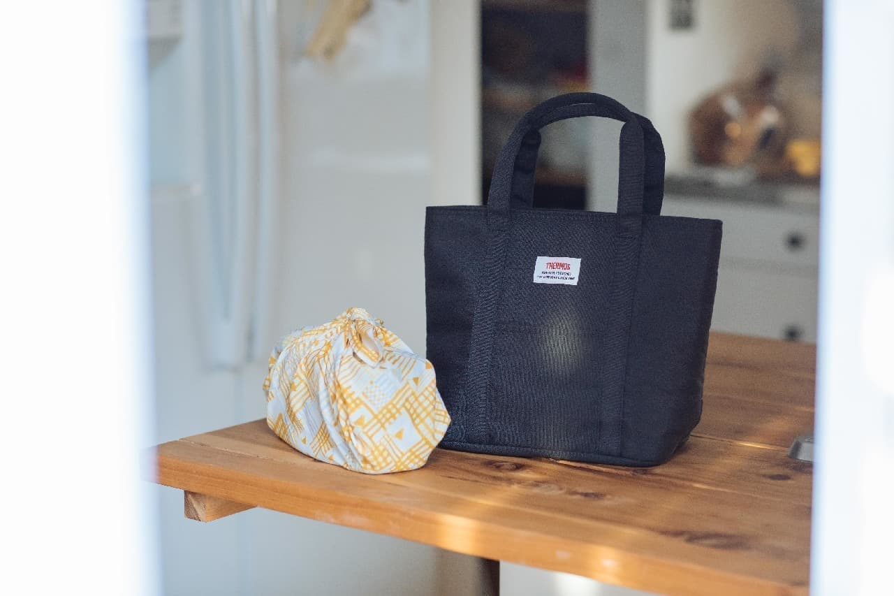 サーモス、大容量の保冷ランチバッグ