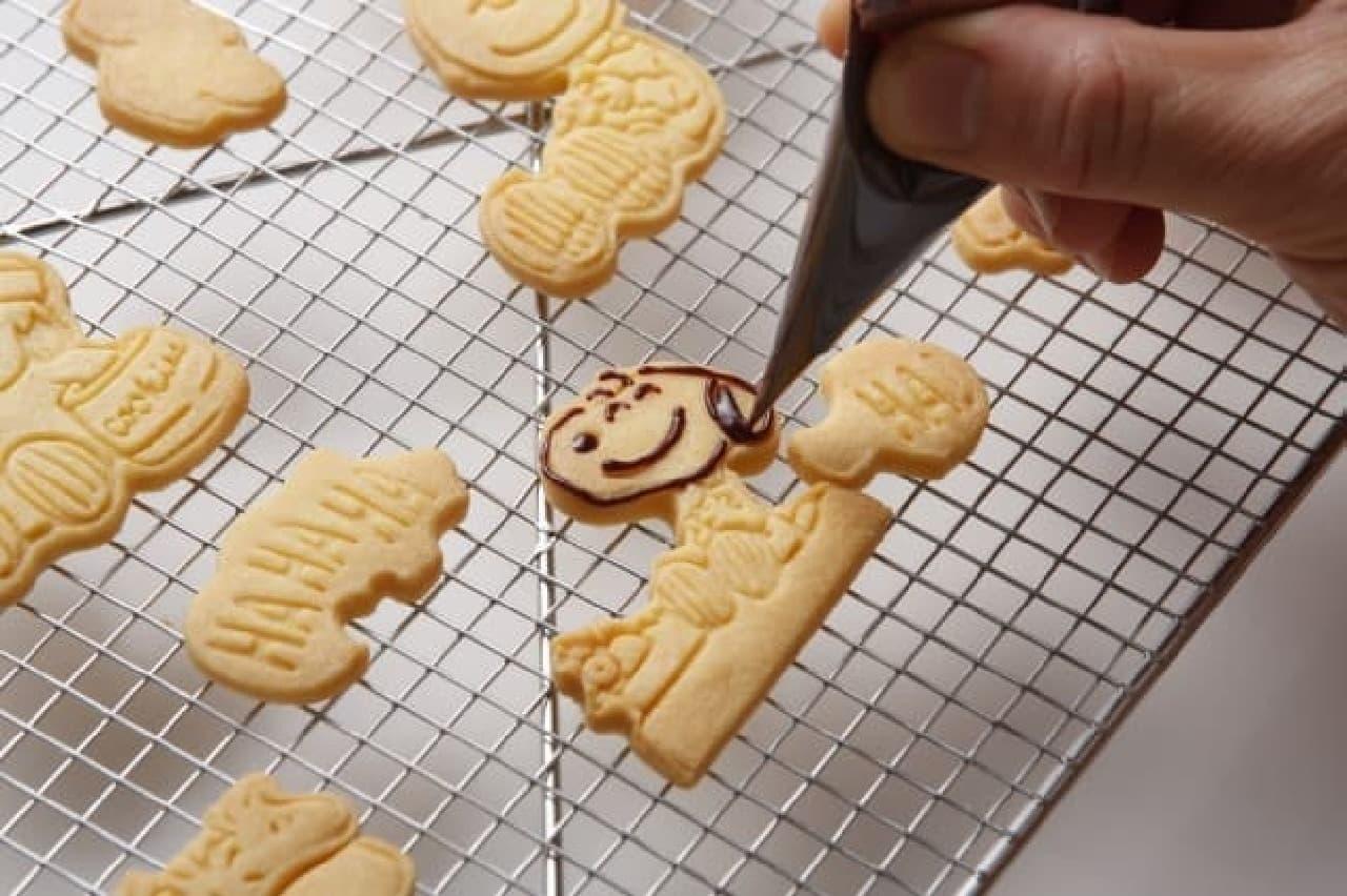 スヌーピーのクッキー型が「レタスクラブMOOK」の付録に