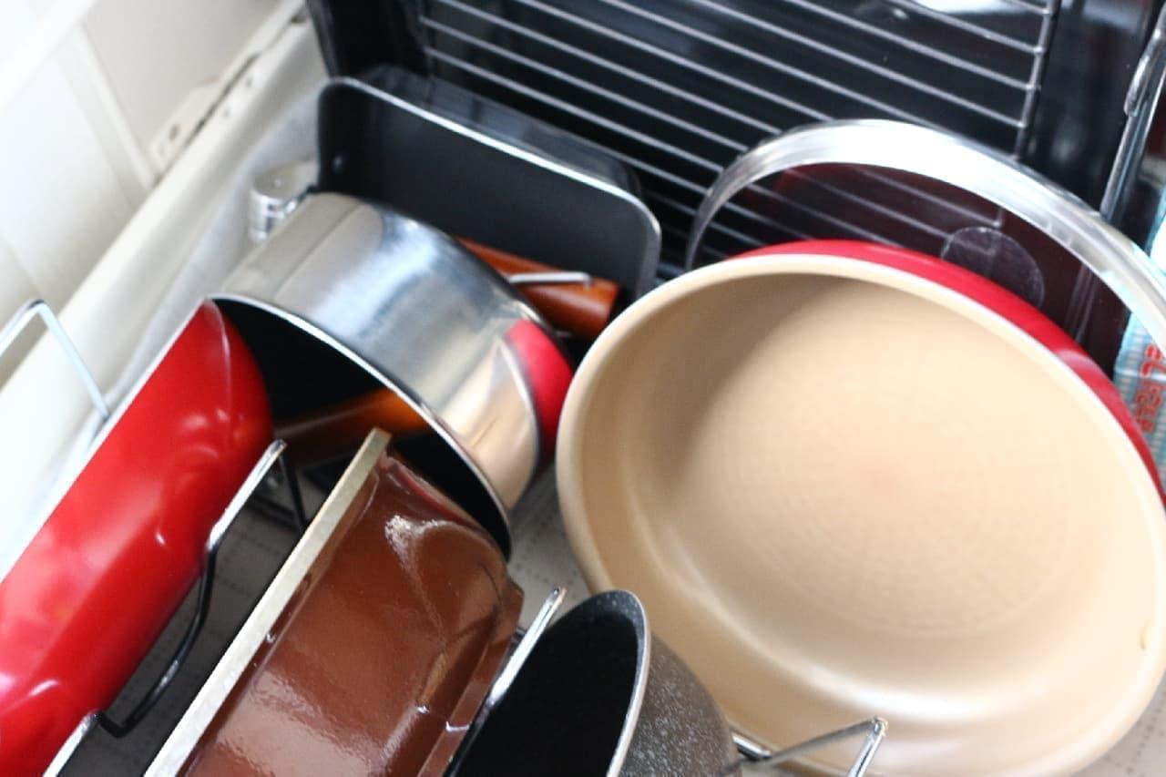 超コンパクトに収納!折りたたみ式の鍋&玉子焼き器--1人分の料理や温め直しに、アウトドアにも