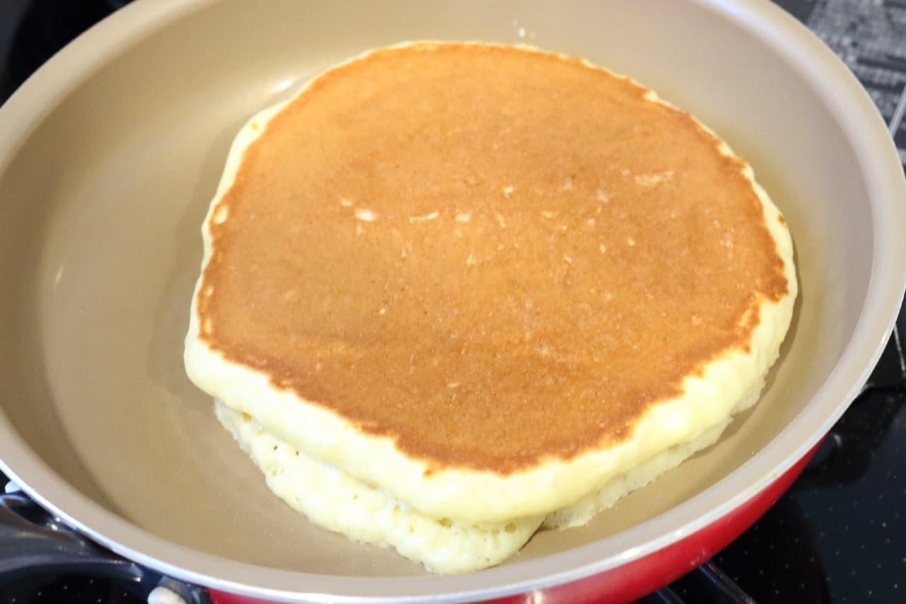 ホットケーキがふわふわになる作り方♪100均グッズで泡立てるメレンゲが決め手