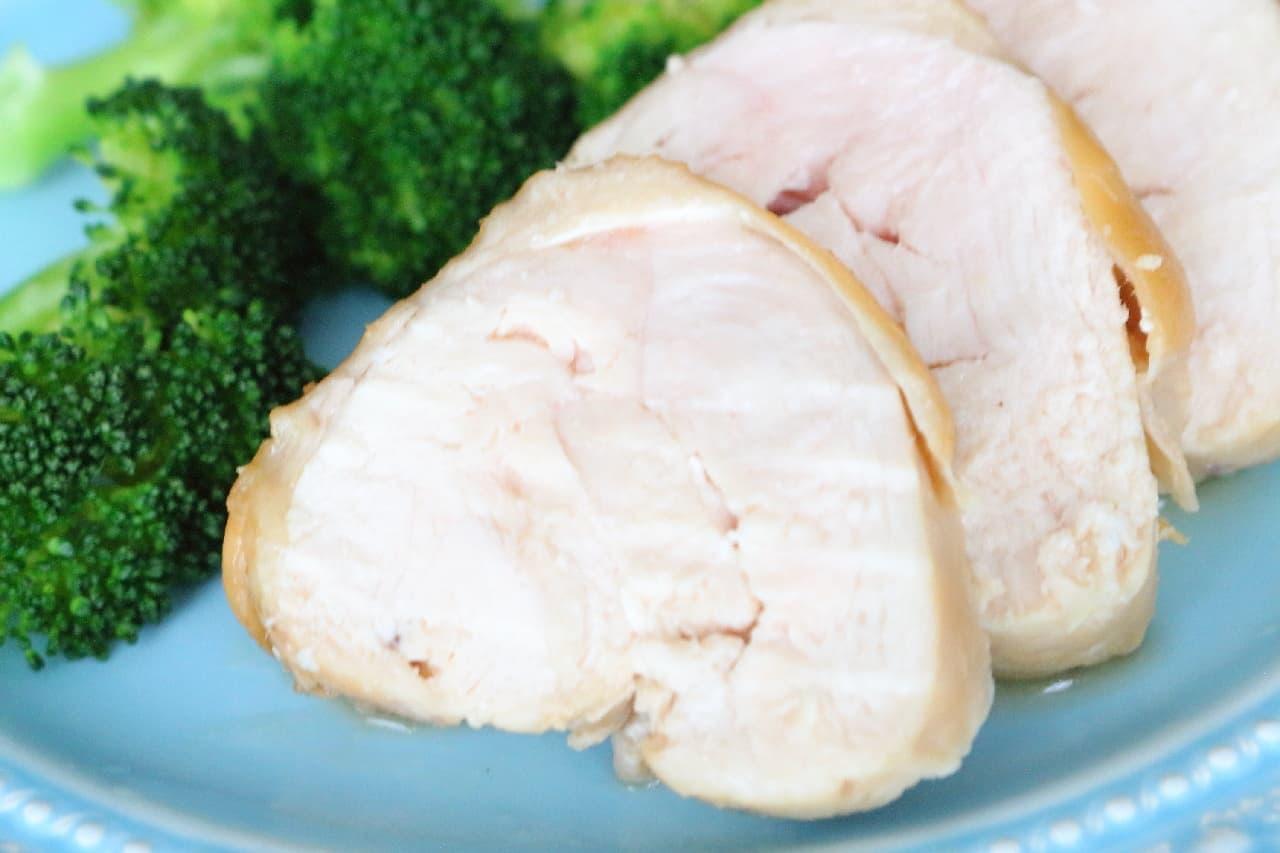 10分でできるリード クッキングペーパーの簡単レシピ「鶏チャーシュー」--レンジでもジューシーな仕上がりに
