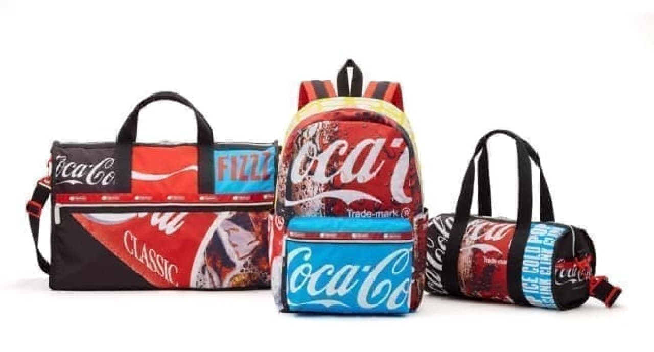 コカ・コーラとレスポートサックがコラボ--ロゴや缶をモチーフにしたバッグ&ポーチ