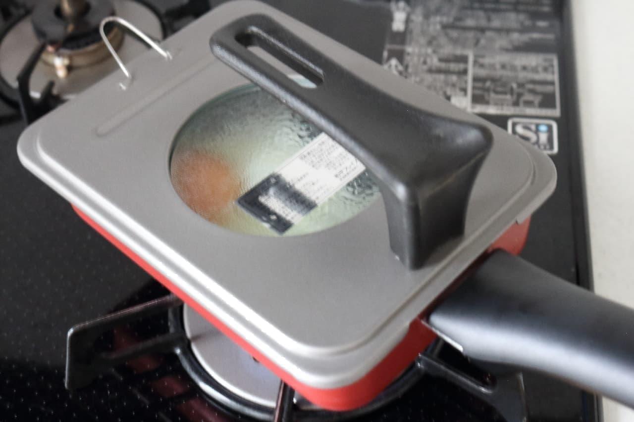 玉子焼き器用のフタ