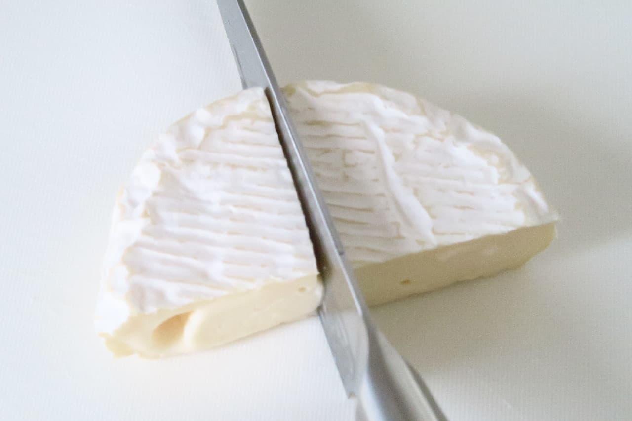 カマンベールチーズの切り方