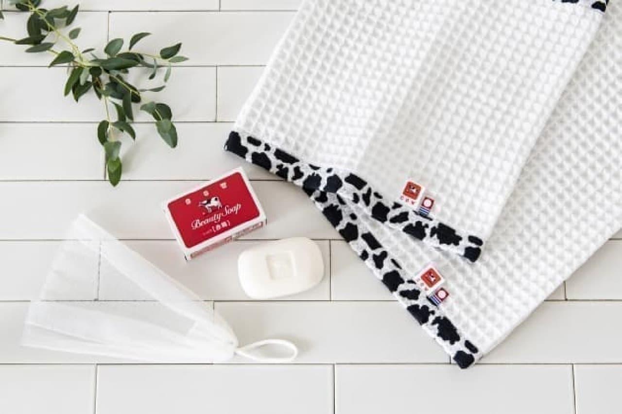 レトロ可愛い赤箱入り!「牛乳石鹸×今治タオル」のギフトセット
