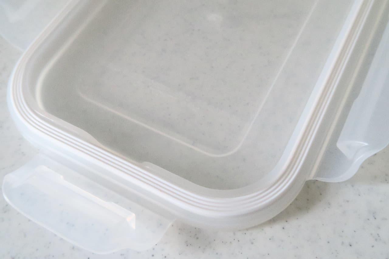 ニトリの耐熱ガラス容器