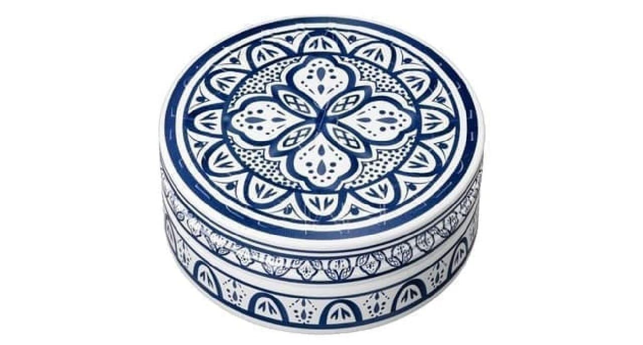 「スチームクリーム」のモロッコ陶器デザイン缶「ATIIYA(アティーヤ)」