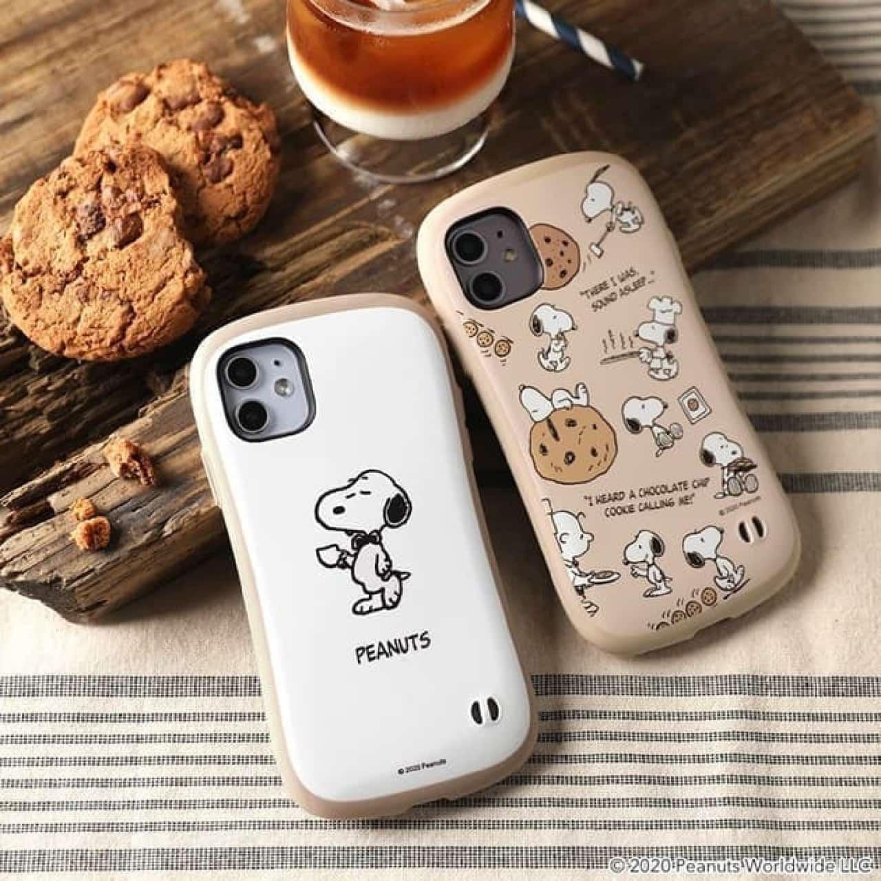 スヌーピーやミッキーを描いたiPhone12ケース