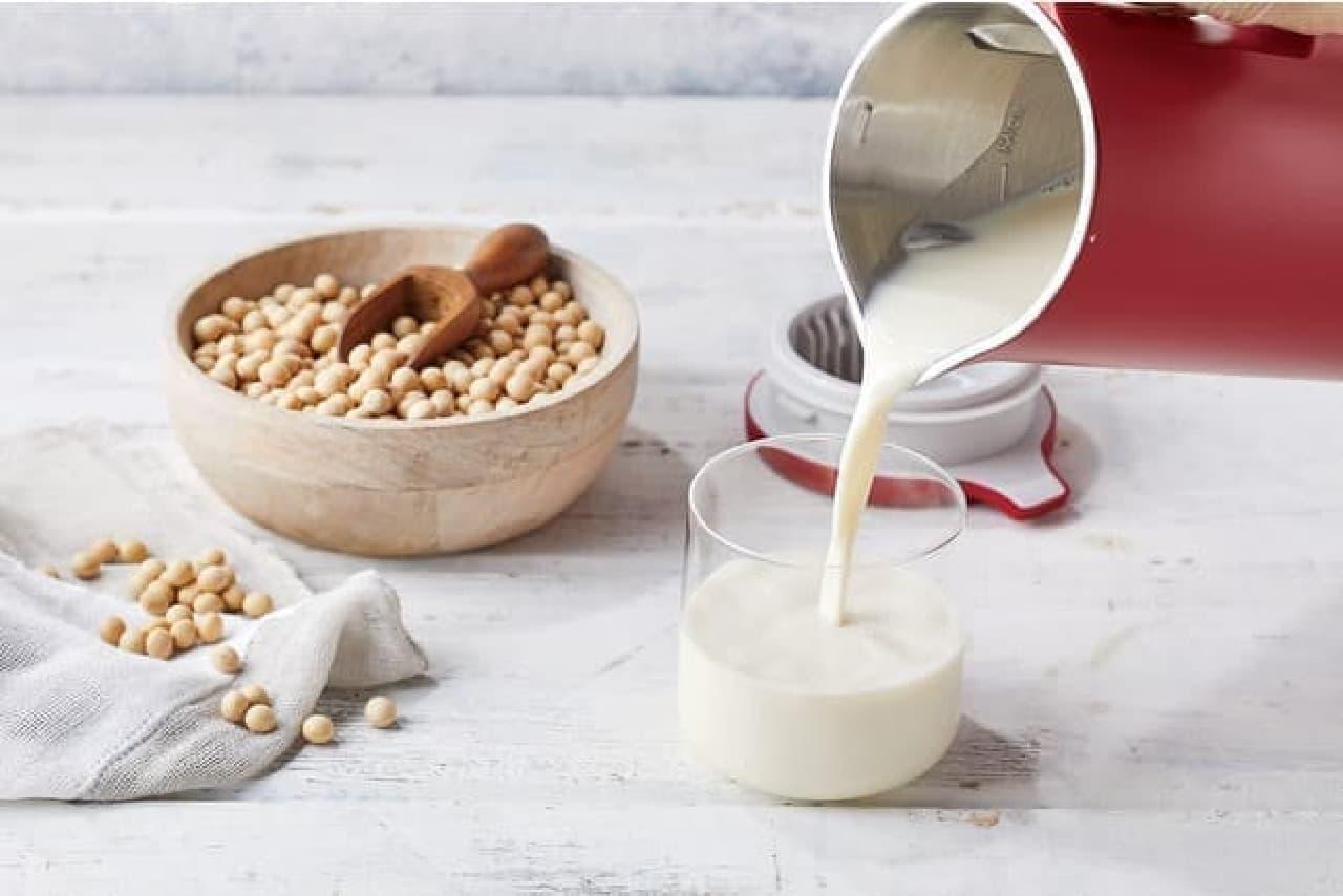 豆乳を手作りできる「ソイ&スープブレンダー」がレコルトから -- ポタージュやスムージー作りにも