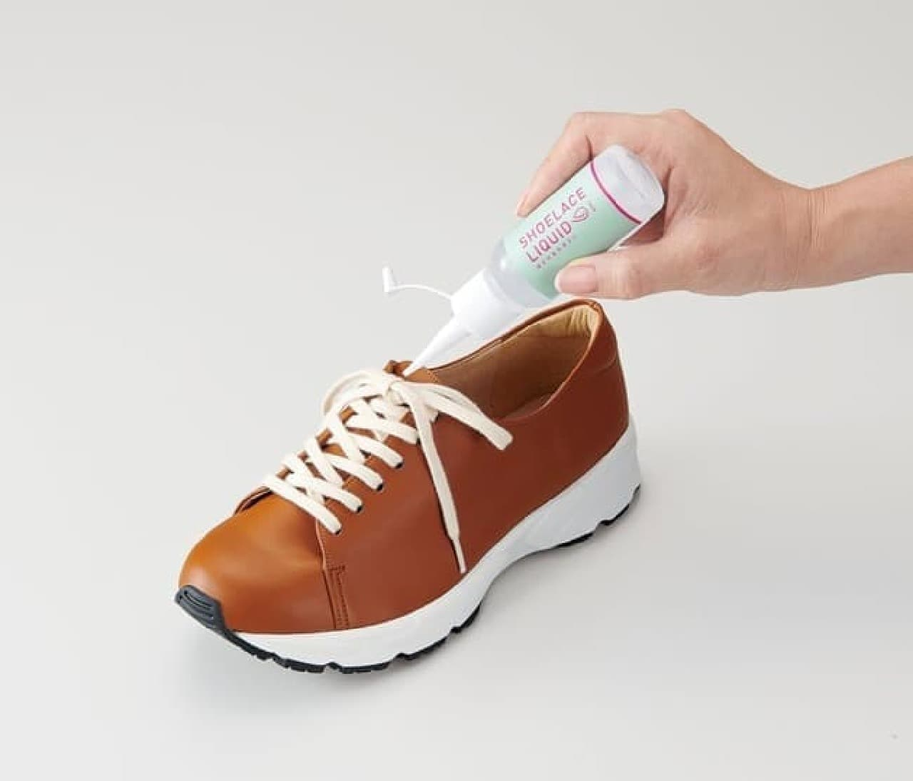 靴ひもがほどけにくくなるリキッド「ほどけるのきらい」がコジットから -- 結び目に垂らすだけ