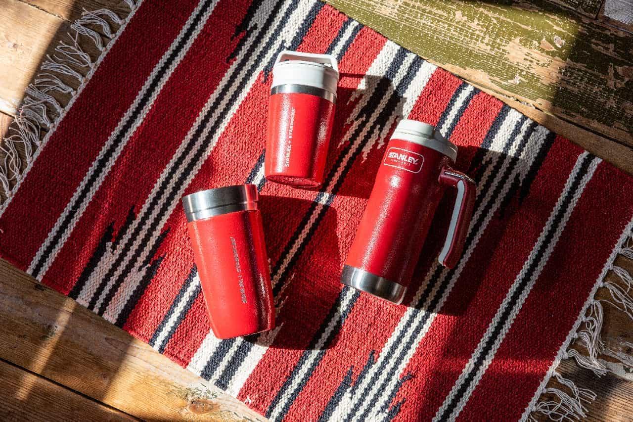 スタバ×スタンレーのコラボ新作!おしゃれなレッドのステンレスボトルやタンブラーなど