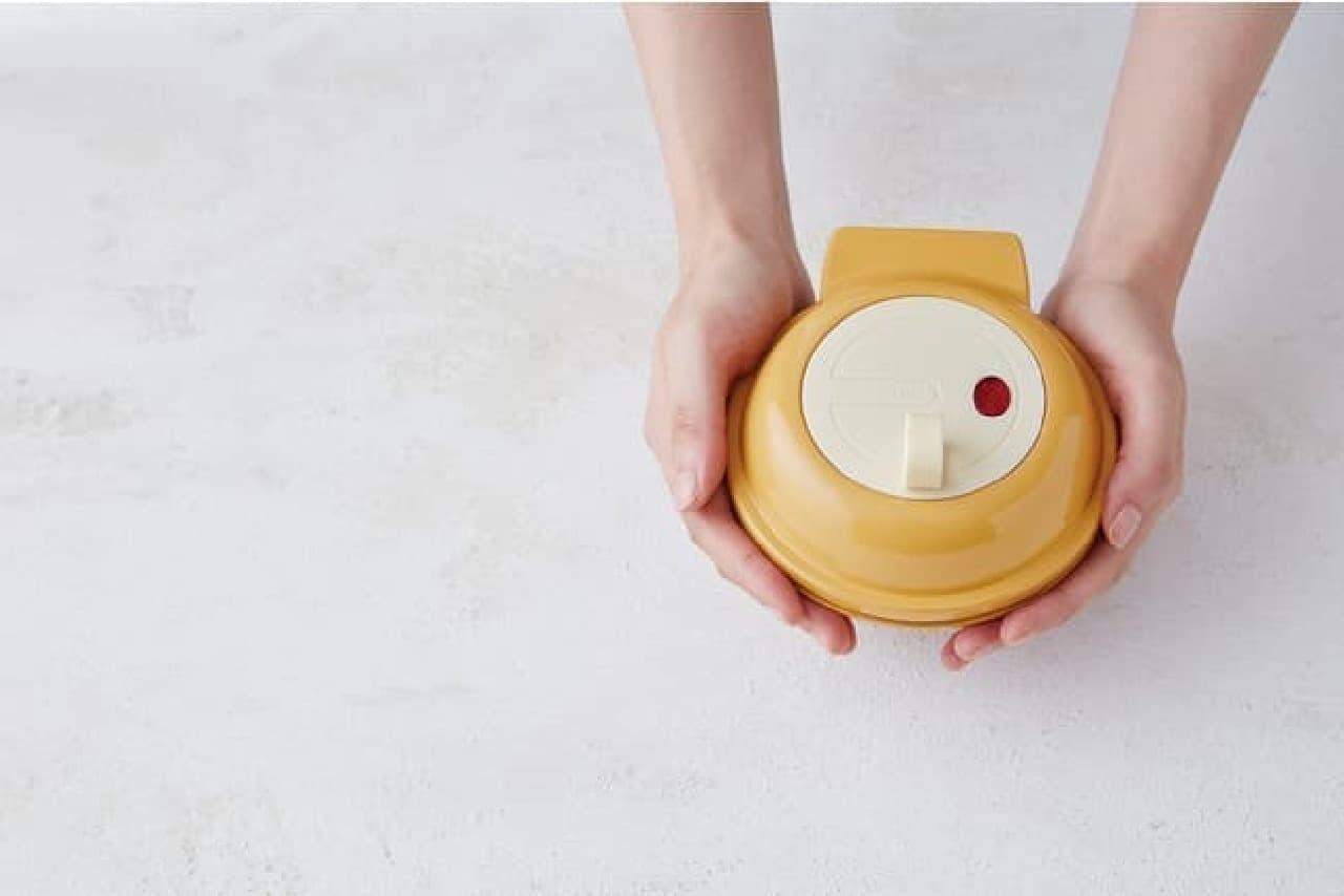 ドーナツメーカー「スマイルベイカーミニ ドーナツオレンジ」がレコルトから -- 可愛いミニサイズを1度に3個