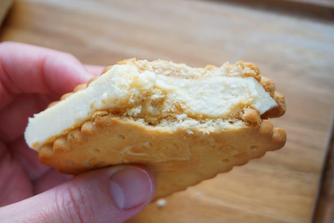 「アベイ ノルマンディ バタークッキー」のチーズケーキサンドレシピ