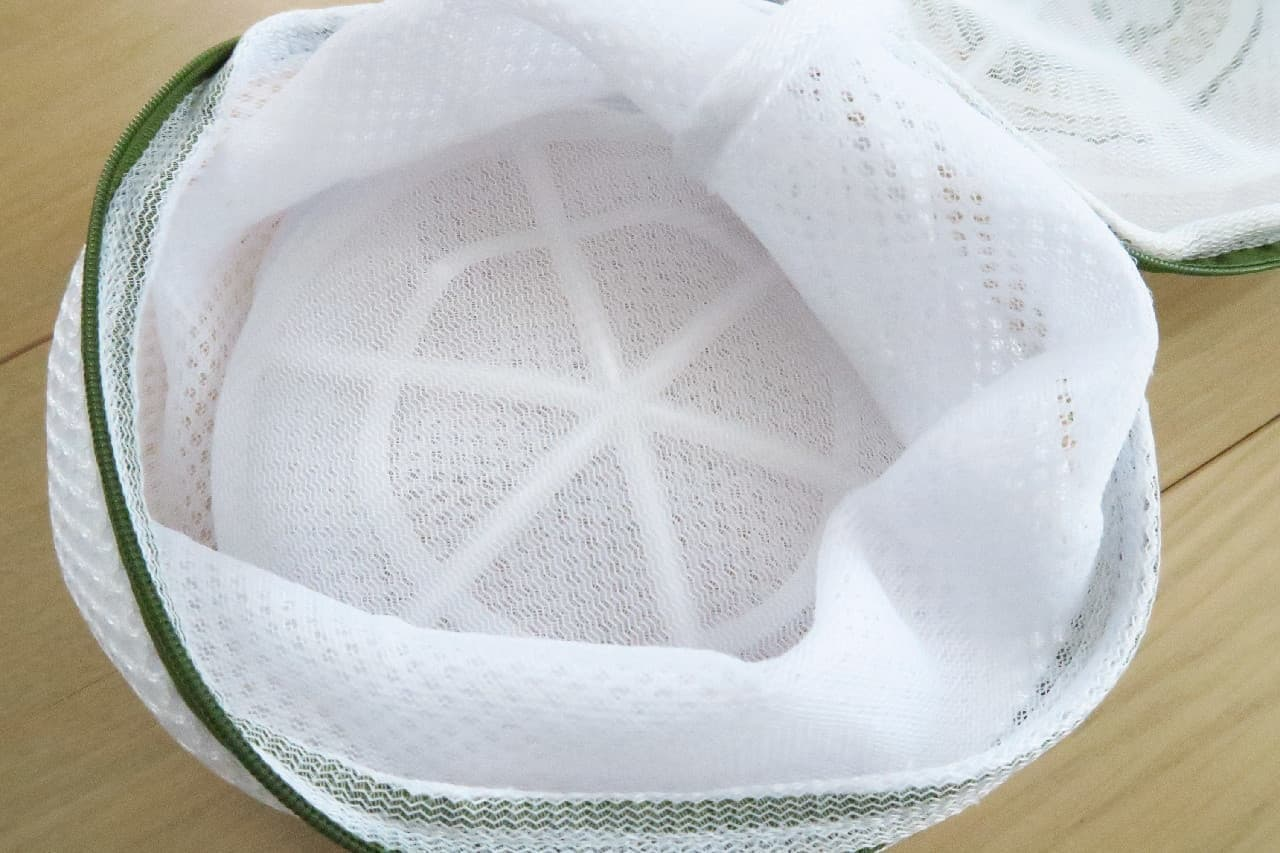 【100均】スヌーピーの洗濯ネットが可愛い!トート型や2ポケット型など旅行にも便利