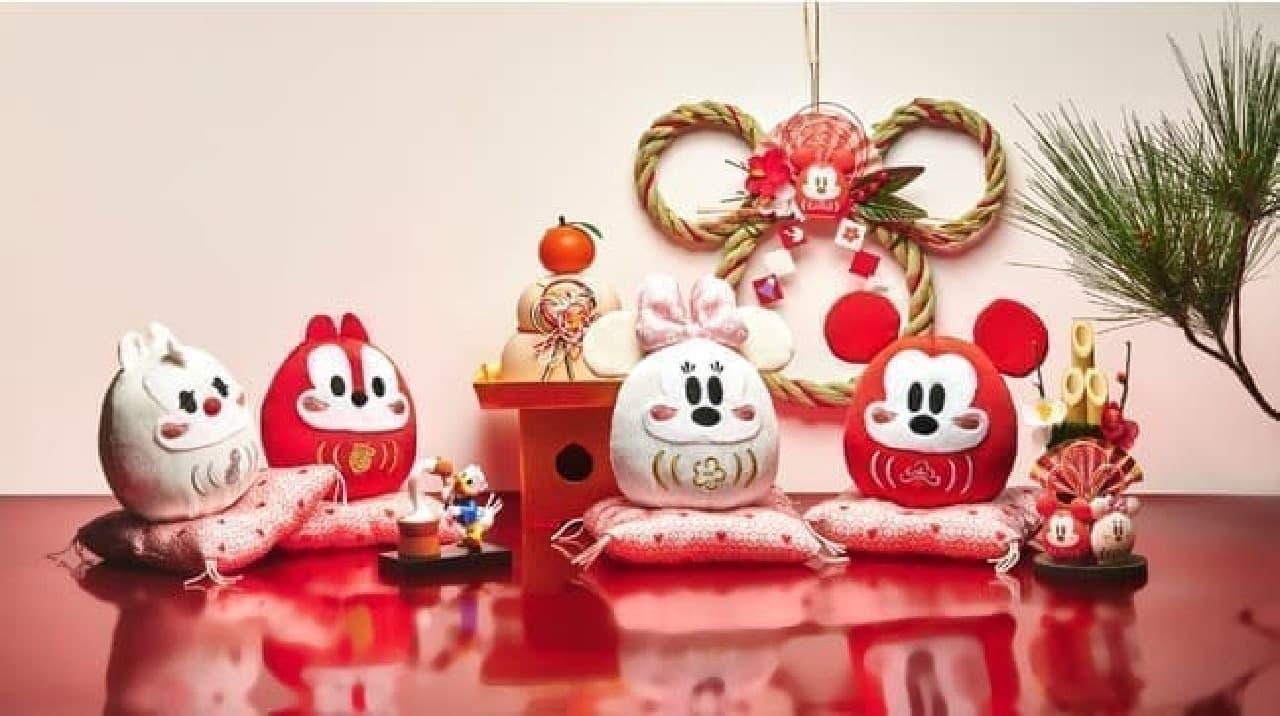ディズニーストアからお正月アイテム登場 -- 紅白だるまのミッキー&ミニーや「丑」コスチュームのツムツムなど