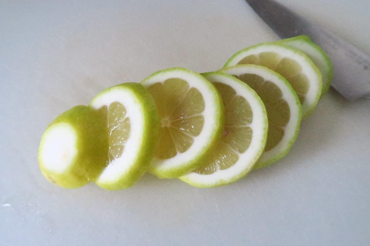 香りフレッシュ!自家製レモンオイルのレシピ -- トースト&サラダが絶品に