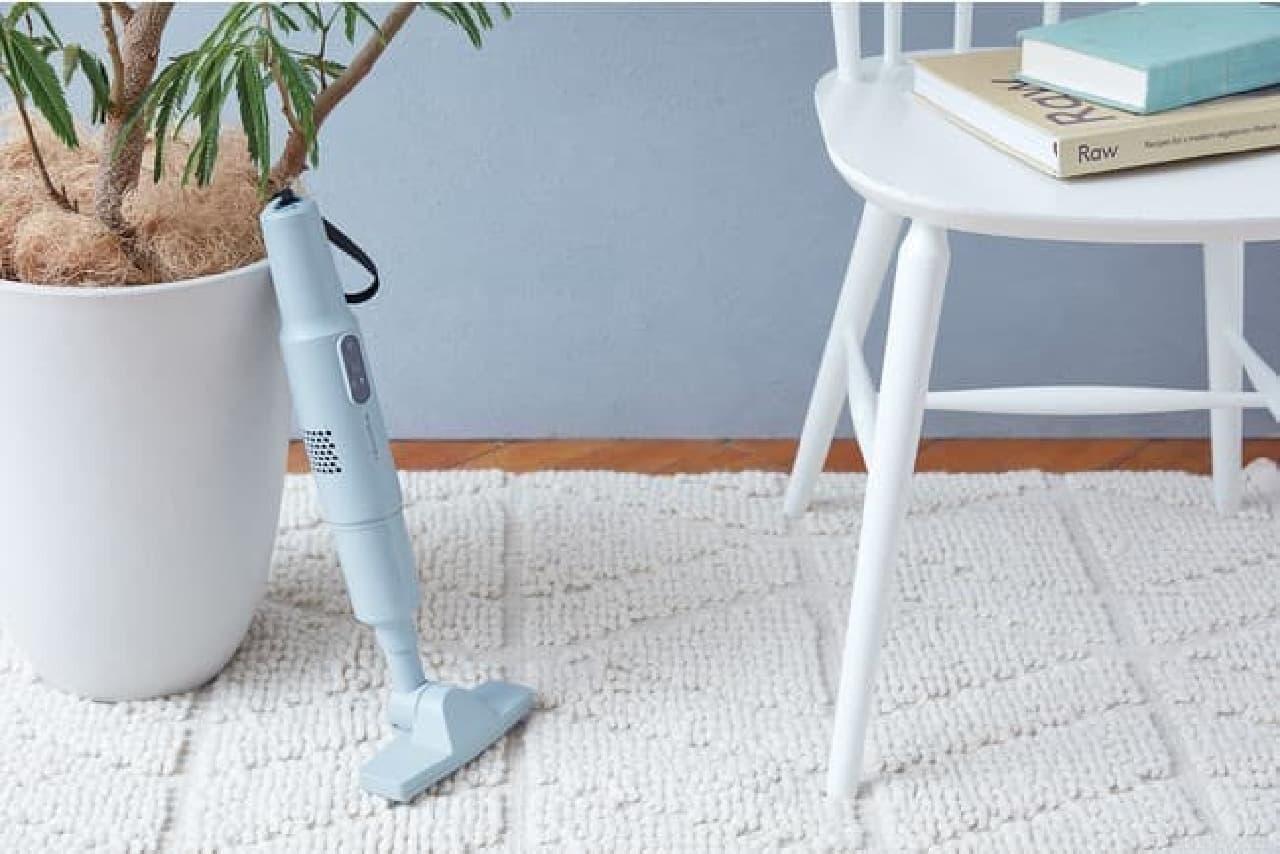 レコルト「コードレス スティック クリーナー」がフルセットに -- ロングパイプを付けて床掃除