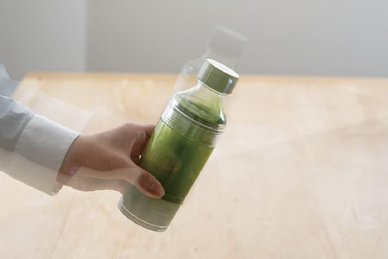 簡単に水出し茶♪ HARIO「フィルターインボトル・ポータブル」散歩の水分補給にも