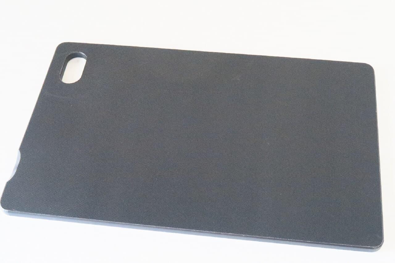 ニトリの抗菌白黒まな板