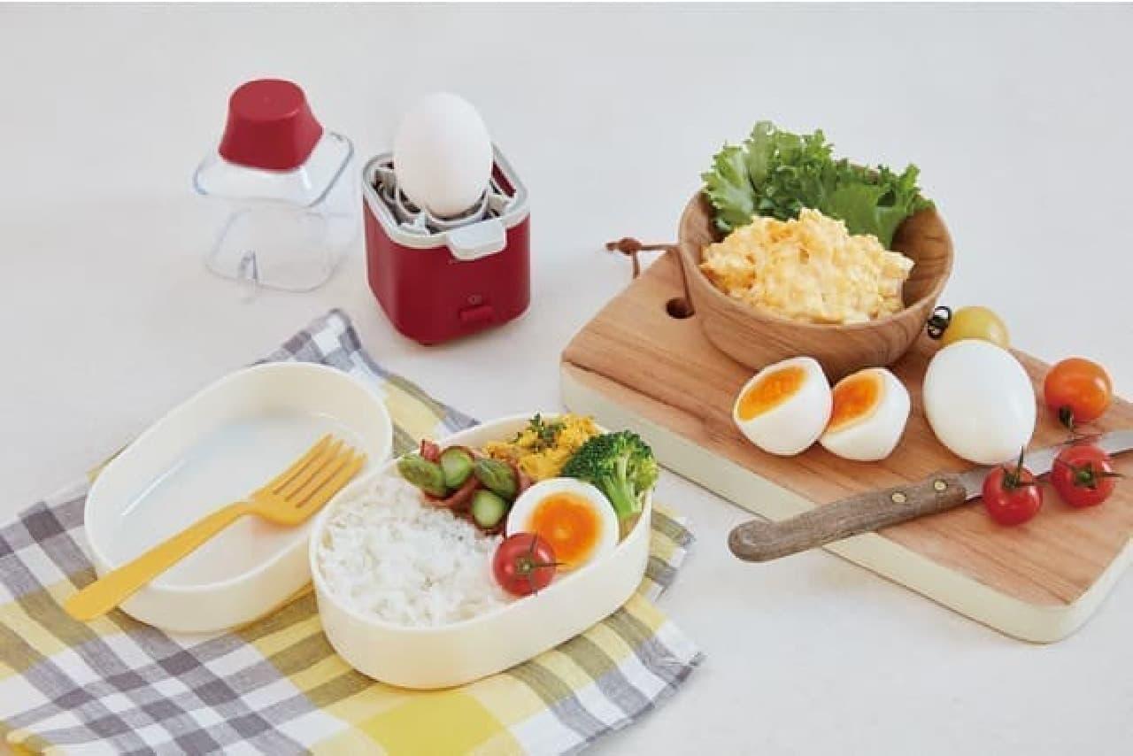 ゆで卵を簡単に!レコルト「エッグスチーマー」水を入れてスイッチオン