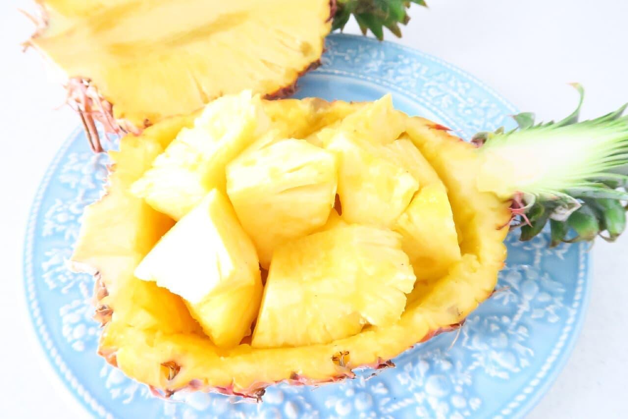 パイナップルの飾り切り