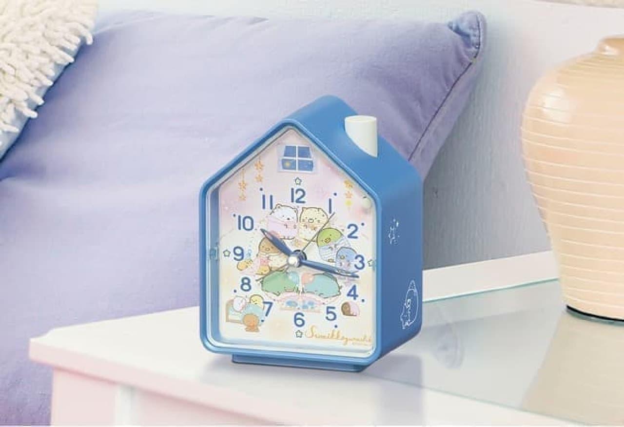 すみっコぐらしの目ざまし時計新作 -- すみっコたちの可愛いおとまり会デザイン