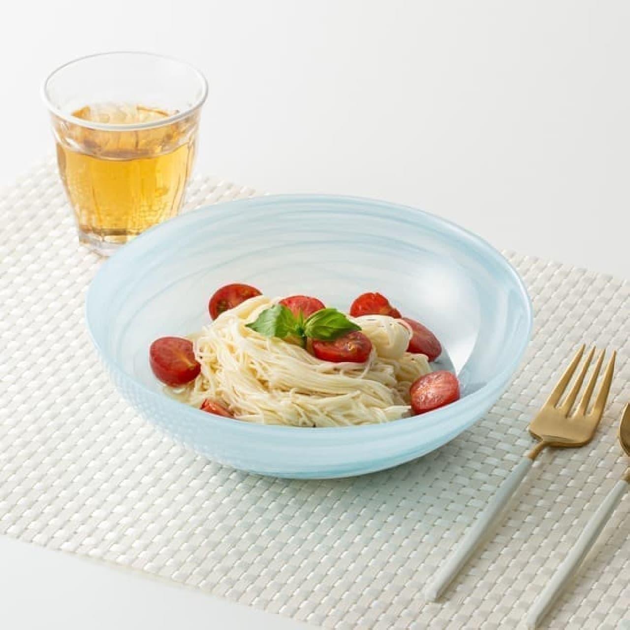 Francfranc夏のテーブルウェア -- 美しいマーブル模様や温かみあるハンドペイントなど