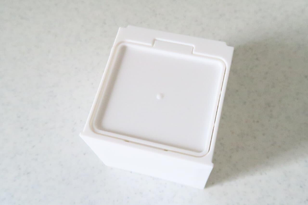 ラップ収納にも♪ 100均「キューブポケット6.0」がシンプル&便利 -- 冷蔵庫に簡単設置
