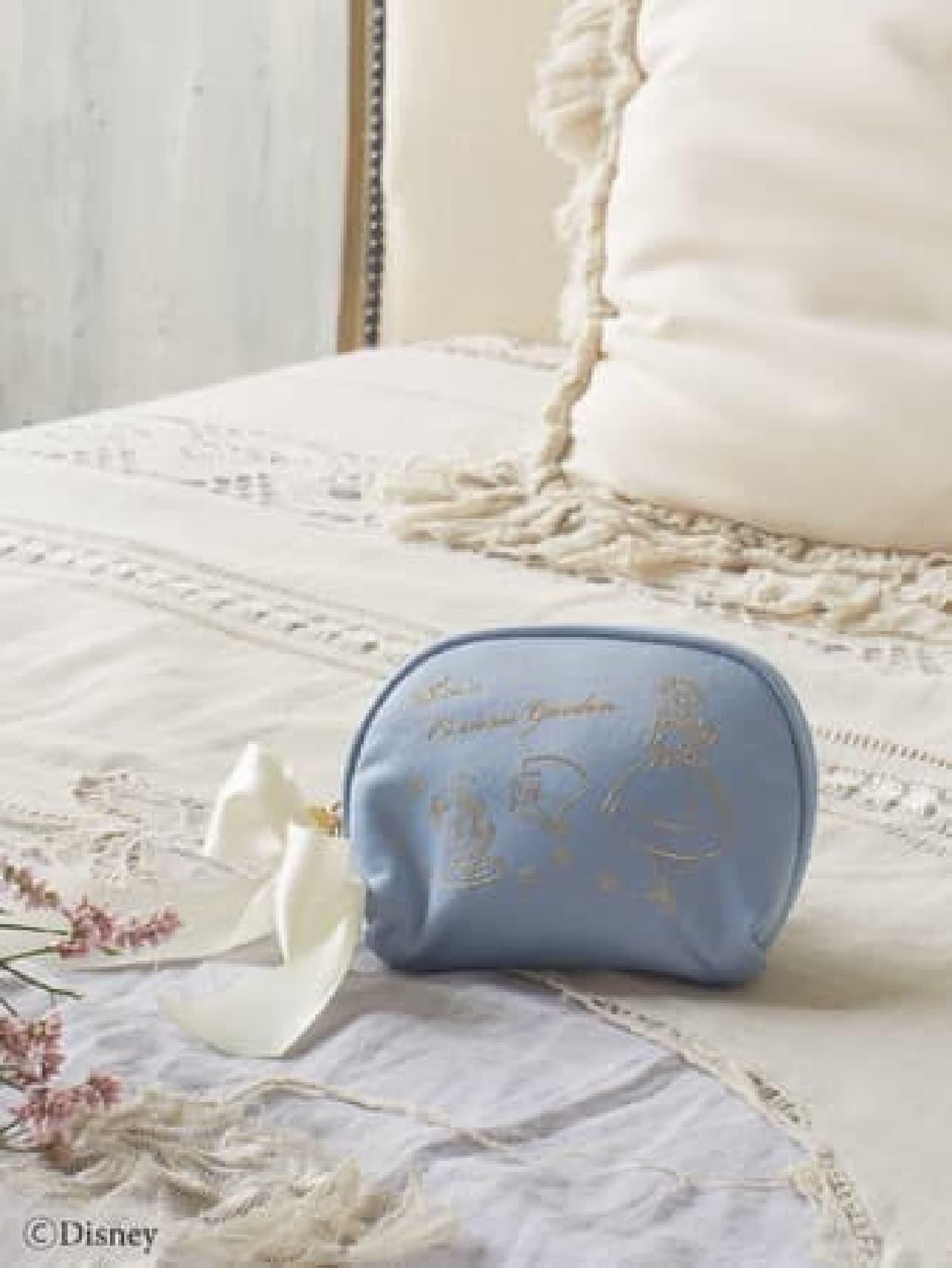 Maison de FLEUR「ディズニー ふしぎの国のアリス」コレクション第2弾 -- ブルー&ホワイトのトートバッグなど