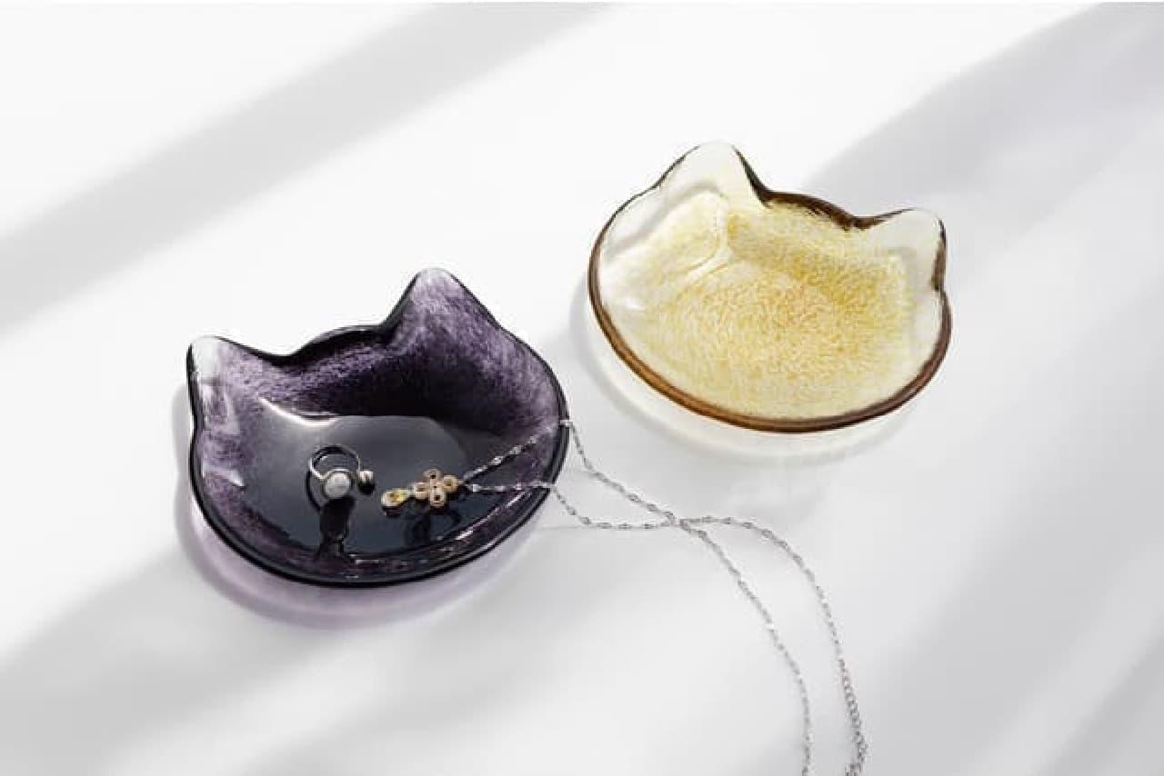 「ここねこクラフト 小皿」ヴィレヴァンに -- シンプル&モダンな猫型ガラス食器
