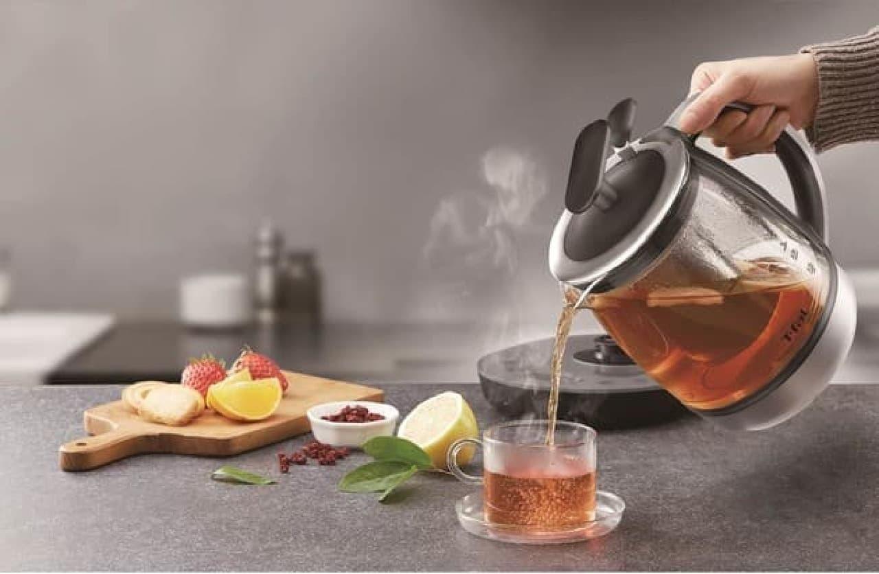 ティファールの電気ケトル新製品「テイエール 1.5L」ティーポットにもなる茶こし付き