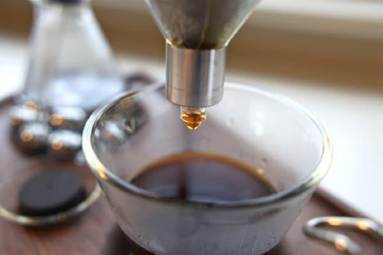 あたりにコーヒーの良い香りが広がります