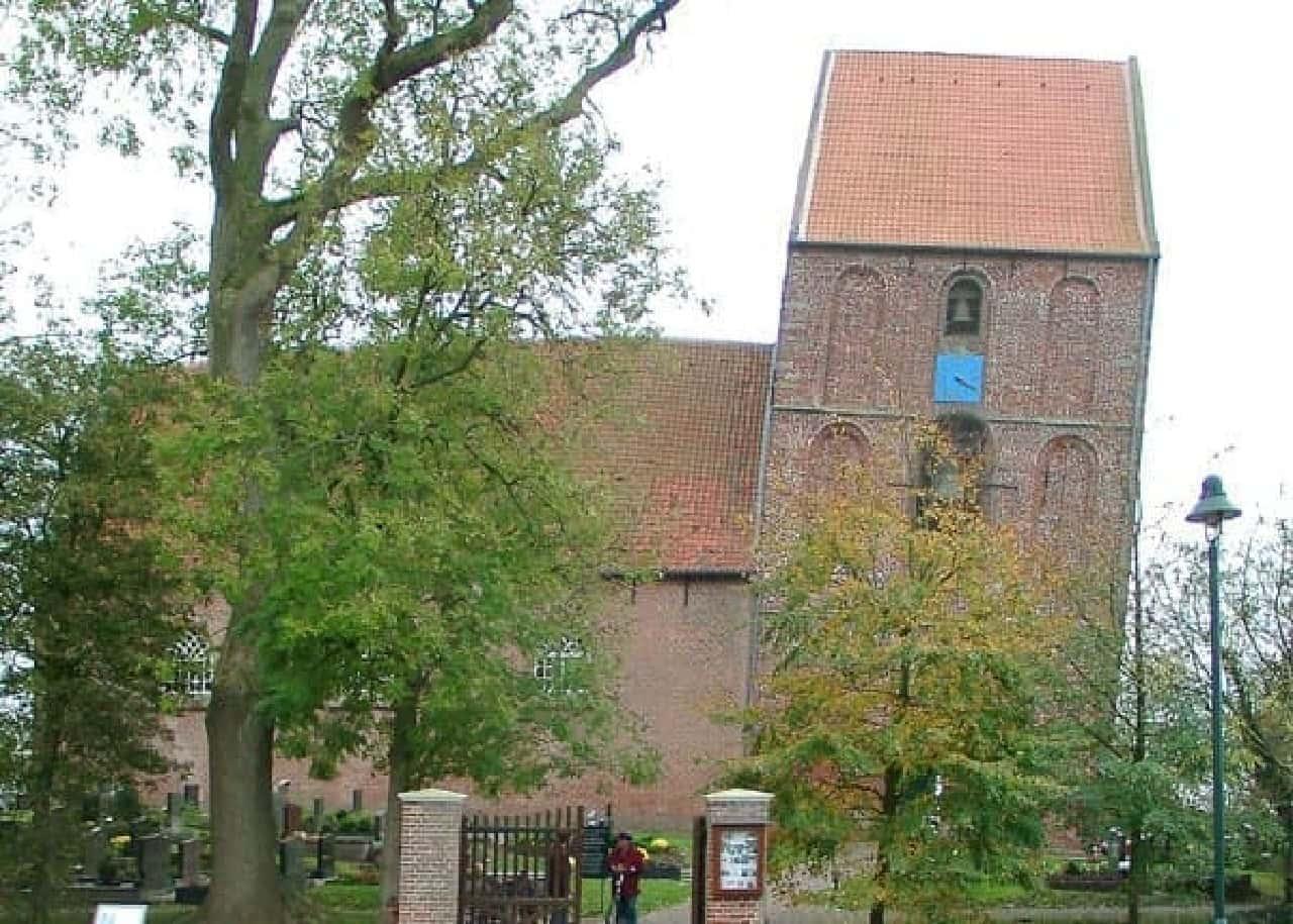 ドイツ ズールフーゼンの斜塔  何をどう間違えた?  (画像出典:Wikipedia)