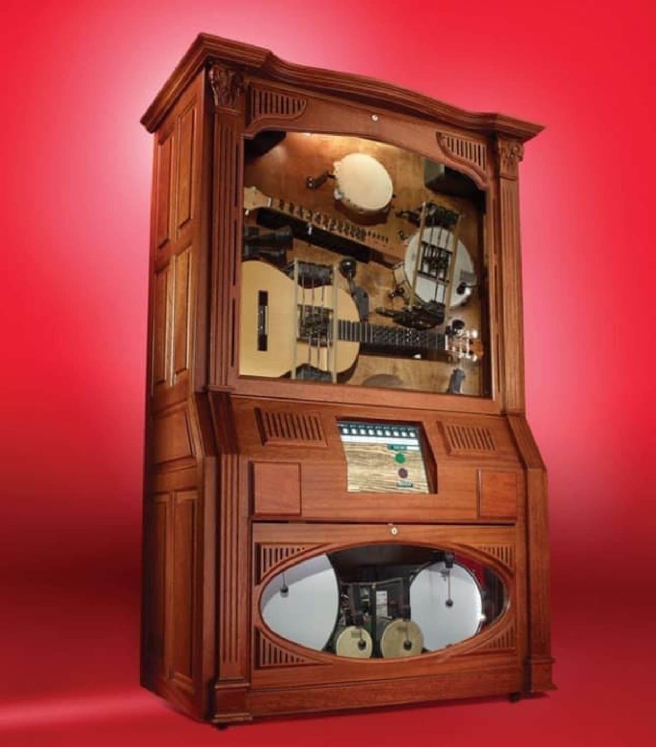 17の楽器が組み込まれた自動演奏楽器「Hootenanny」