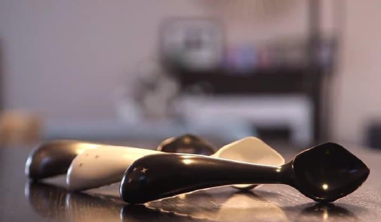 カチカチアイスクリームを楽々すくえる「Midnight Scoop」