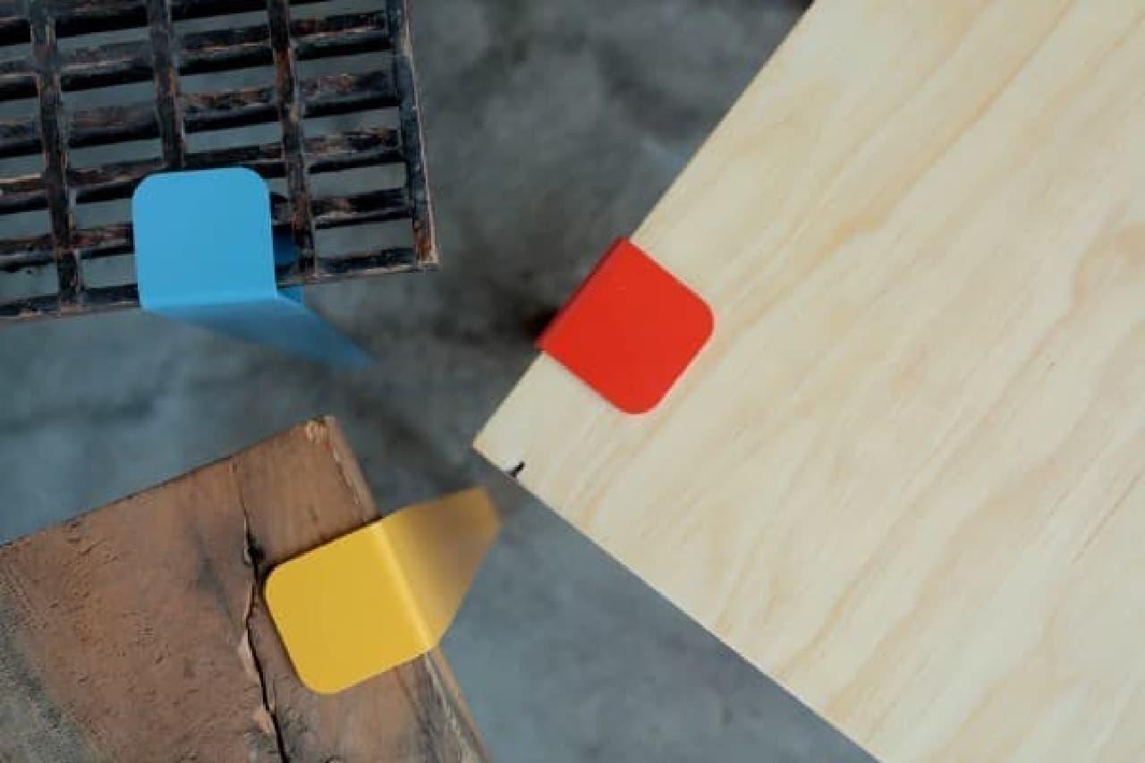 「Floyd Leg」を使えば、板状のものはほぼ何でもテーブルになる