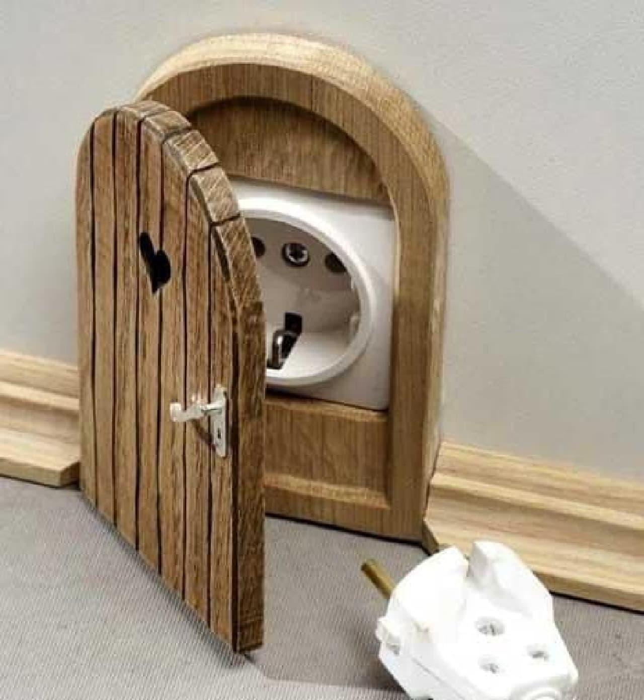 ロシアのデザイナー Rytis Zaveckas さんが制作した「rosettes door」