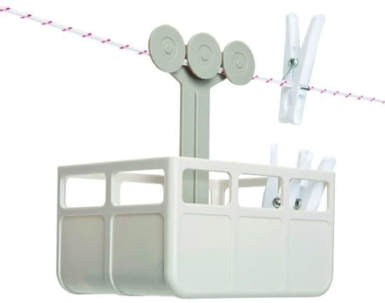 洗濯物干しには洗濯ばさみ付きハンガーを使うことが多いけど  バスタオルはやっぱり 洗濯ロープなんですよね