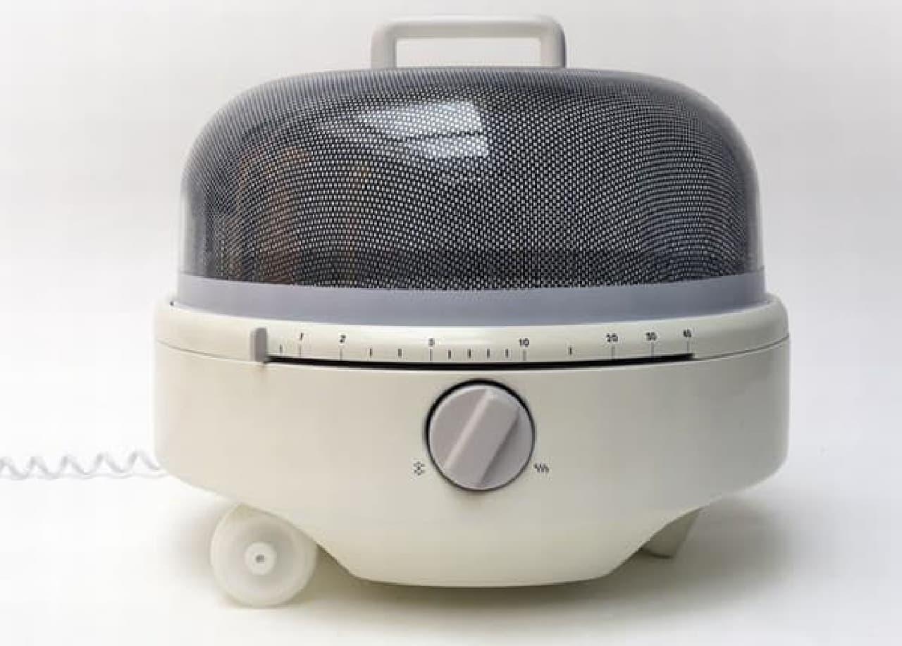 車輪付きのポッド型電子レンジ「Mediumwave」