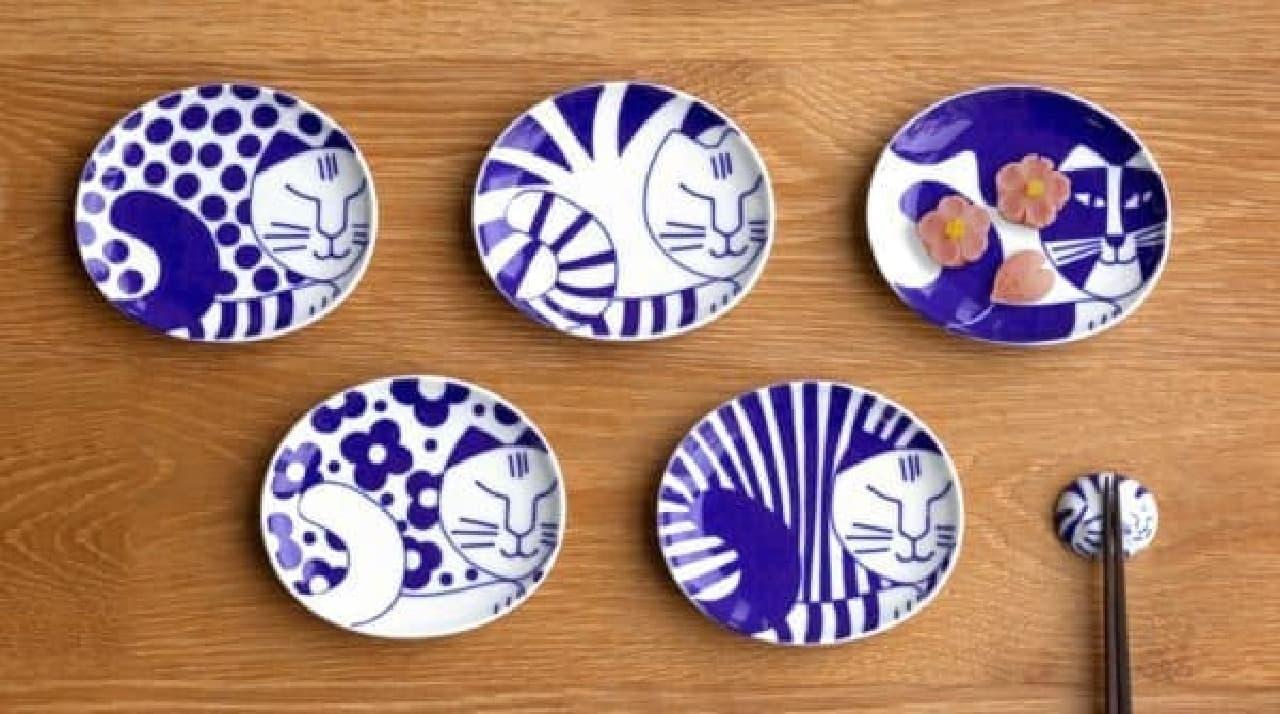 にゃんともかわいい豆皿たち(出典:lisalarson.jp)