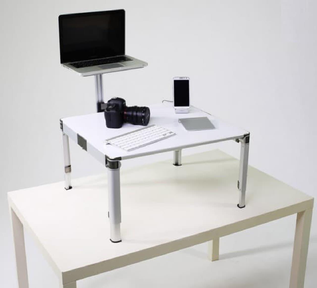 """普通の机を""""スタンディングデスク""""にする「ZestDesk」"""